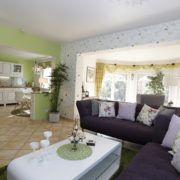 Ferienwohnung Provence Wohnbereich mit Blick in die Kueche